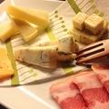 料理メニュー写真生ハム&チーズ盛合せ