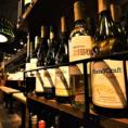 「ワインソムリエ」に、当店すべてのメニューを見て頂き、選んで頂いたワインです。ワインの種類は60種類以上!豊田一の品揃えです。赤ワイン・白ワイン・ロゼワイン・スパークリングと、さまざまのワインをご用意しました。
