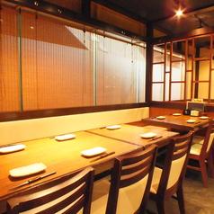 【ゆったりテーブル席】心安らぐお席で九州の味わいをお酒とともにお愉しみ下さい。