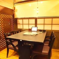 落ち着いた和空間のテーブル席はお仕事帰りや少人数ご宴会に!