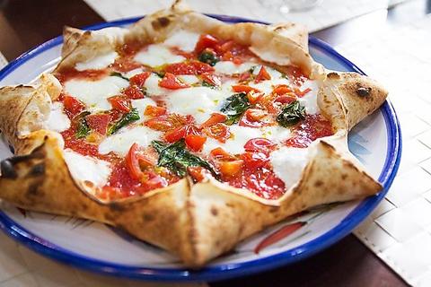 ここでしか食べられないメニュー盛り沢山♪気軽にナポリ本場の味をお楽しみ下さい!!