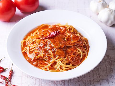 陽気で明るい南イタリアのトラットリア(大衆食堂)タイプのイタリアンレストラン。