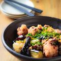 料理メニュー写真茄子と豆腐が入った男の油淋鶏