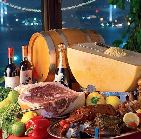 大切な方の記念日に…門司海峡と門司港駅を一望できるロマンティックな展望レストラン