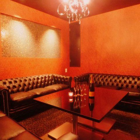 【VIP個室】2名~ご利用可★お祝いや飲み会大好評!!シャンデリア輝くラグジュアリーな空間。