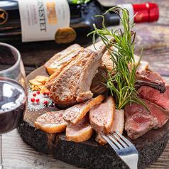 個室肉バル 山小屋 Root7合目 銀座コリドー街店のおすすめ料理1