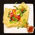 料理メニュー写真クレープブーケサラダ
