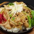 料理メニュー写真絶品!男の豚丼/出汁自慢!オクラと山芋のネバネバ丼