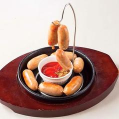 料理メニュー写真じゃらじゃら粗挽きウインナー/鶏肉のカリカリチーズ揚げ