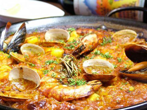 気軽で陽気なスペインの雰囲気を!!ワイン、サングリアにタパス、そしてパエジャで★