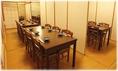 テーブル席個室は、お気軽にふぐちりコースをお楽しみいただけます。ご昼食に、夜のお食事に、お子様からご年配の方までごゆっくりとご会食いただけます。団体様の貸切は、テーブル設定もご自由にできます。