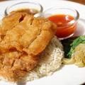 料理メニュー写真フライドカオマンガイ(スープ付き)