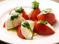 料理メニュー写真高濃度フルーツトマトとモッツァレラのカプレーゼ