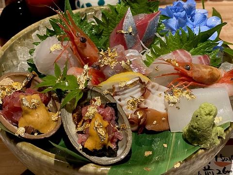 食事も空間も優美に楽しむ金沢駅地下の居酒屋。職人のこだわりの味をご堪能ください。