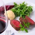 料理メニュー写真北海道産しほろ牛のポワレ・赤ワインソース