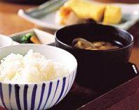 炊きたての大かまどご飯3種&お惣菜3種が食べ放題!