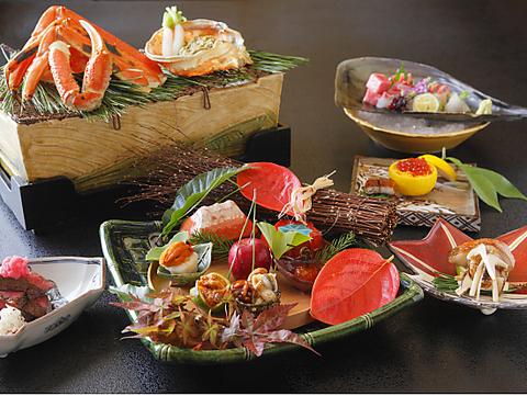 京都石塀小路の一角にある、完全予約制の和食店です。ワインのバラエティも豊富です。