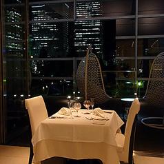 みなとみらいの夜景が雰囲気を演出!落ち着いたディナーを…