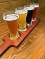 ふらっとビールを1杯でも大歓迎!写真は4種飲み比べセットです◎