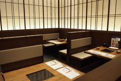 テーブル間も広々しているので周囲を気にすることなく開放的にお食事をお楽しみいただけます。