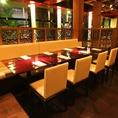 ◆ロフトのような雰囲気の2階のテーブル席◆開放的な空間で、当店自慢のお料理をお楽しみください!健康・安全・安心をモットーに国産減農薬野菜を使用しております。是非ごゆっくりご賞味ください。