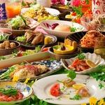 人気の2時間食べ飲み放題が3,000円(税別)で8名様以上はクーポン利用で幹事1名様無料!