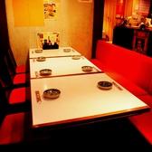 【テーブル席】雰囲気のいい店内は大人のゆっくり飲みたい方にもピッタリです。