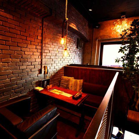 1席のみの特別な空間♪デートや記念日にぴったりの対面式のカップルシート☆