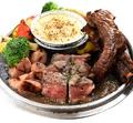 料理メニュー写真肉3種盛り焦がしフォンデュ