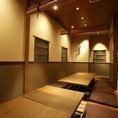 半個室に酒蔵の離れをイメージした座敷…落ち着いた雰囲気の店内は大人の宴会にぴったり