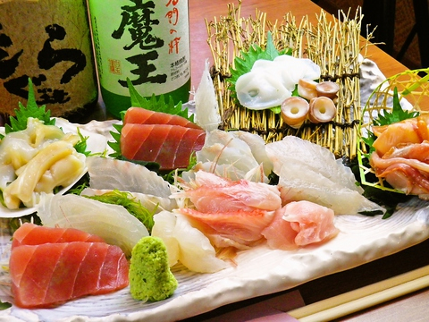 新鮮なお魚・旬の食材にこだわった家庭的な雰囲気の居酒屋です。