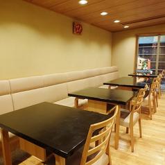 【1F】人数に応じて2名様~12名様までご利用いただけるテーブル席