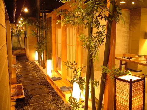 【4F】日本庭園風の【全席完全個室】貸切OK!最大70名様まで。飲み放題付3500円~