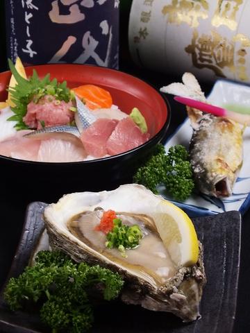 新鮮な魚介を使った自慢の料理をお楽しみください♪