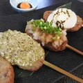 料理メニュー写真牛タンつくね(黄身醤油・ねぎ塩・おろしポン酢・トマトチーズ) 1本