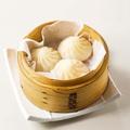 料理メニュー写真熱々スープの小籠包