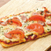 ソーセージトマトピザ