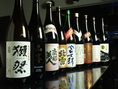 各地から仕入れた焼酎、日本酒の数々