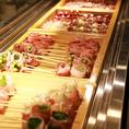 旬・美容・彩りにこだわり、様々な食材を使用した創作料理をご用意。