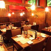 【テーブル席】 6/8/10名~20名様程度で一同に会せる、プライベート空間をご用意。人数に合わせたお席をご案内致します。