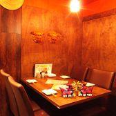 【会社宴会】8/10/12/16~20名様のプライベート空間をご用意。人数に合わせたお席を多数ご用意しております。