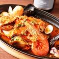 料理メニュー写真魚介のアクアパッツァ