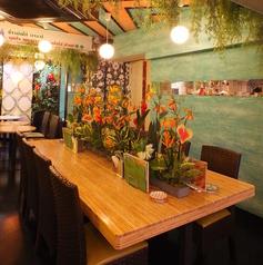 テーブル中央に咲く花が、オシャレ★お一人様でもご利用頂けます!!
