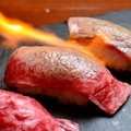 料理メニュー写真肉好き必見!自慢の牛肉寿司(3貫)