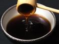 【三得物語博・多水炊きの旨さの秘密】水炊きの各種食材との相性抜群の自家製ポン酢は食材の旨味を更に引き立てます。