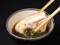【三得物語博・多水炊きの旨さの秘密】お刺身としても使える鮮度の高い宮崎産若鶏を思う存分お愉しみ下さい。