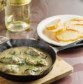料理メニュー写真牡蠣と茸のアヒージョ