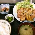 料理メニュー写真厚切り豚の生姜焼き定食