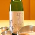【超辛口純米酒ばくれん】日本酒度+20の超辛口純米酒。ほのかに感じるフルーティーで品のよい吟醸香、軽快で円やかなキレのいい味わい、飲み疲れしないスッキリとした酒質、なんとも爽やかで心地いいお酒。