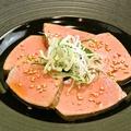 料理メニュー写真牛フォアグラ(レバ刺風)